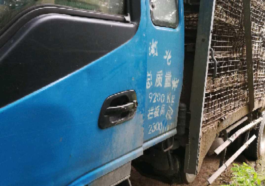 江淮其他车系 载货车  131匹 2011年03月 4x2