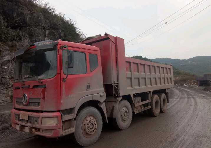 东风东风特商 自卸车  280匹 2014年08月 8x4