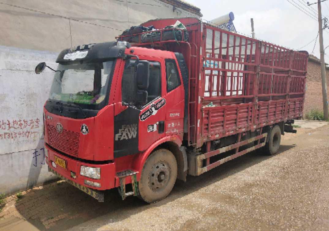 一汽解放J6L中卡 复合型 载货车  180匹 2016年06月 4x2