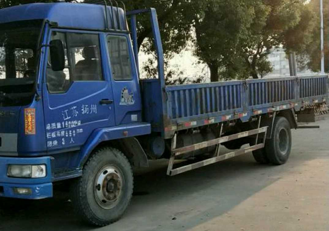 东风乘龙 载货车  160匹 2010年09月 4x2