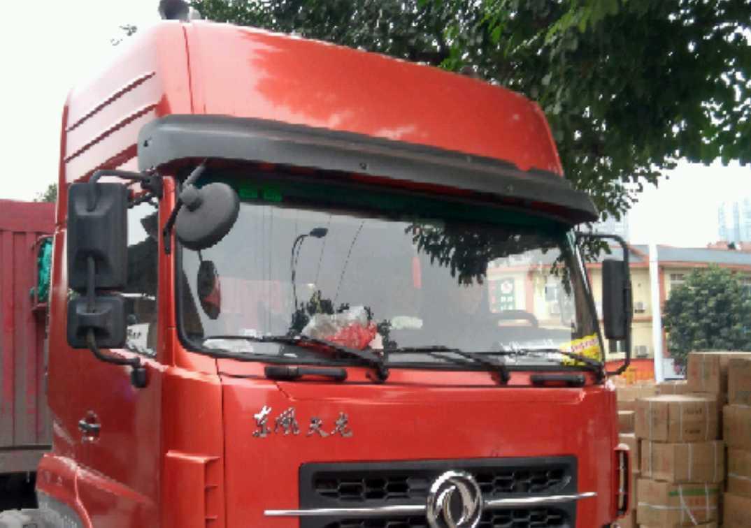东风天龙 牵引车  340匹 2011年04月 6x2