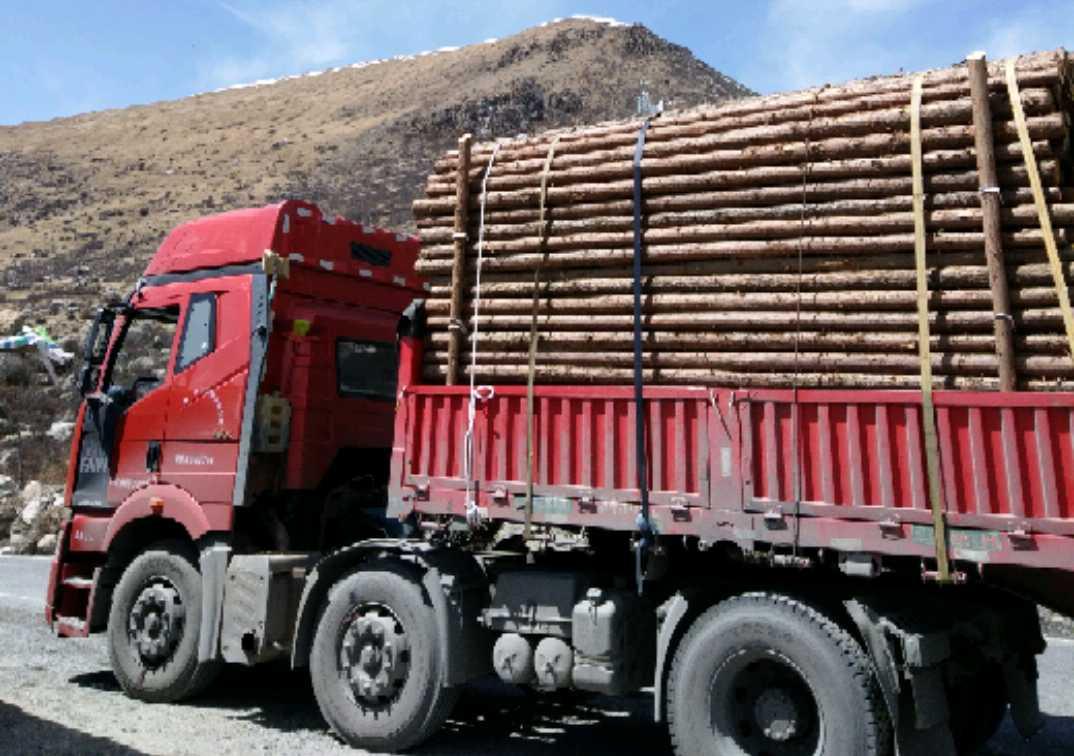 一汽解放J6P重卡 牵引车  420匹 2016年11月 6x2