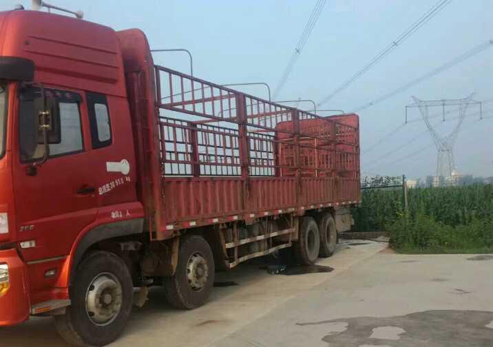 东风天龙 载货车  260匹 2012年08月 8x4