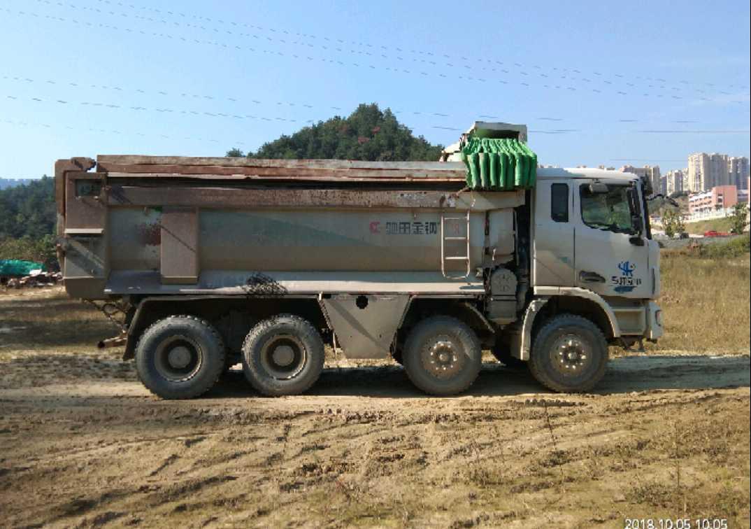 联合卡车U系 自卸车  260匹 2016年08月 8x4