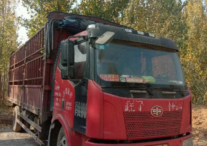 一汽解放J6 载货车  160匹 2013年01月 4x2