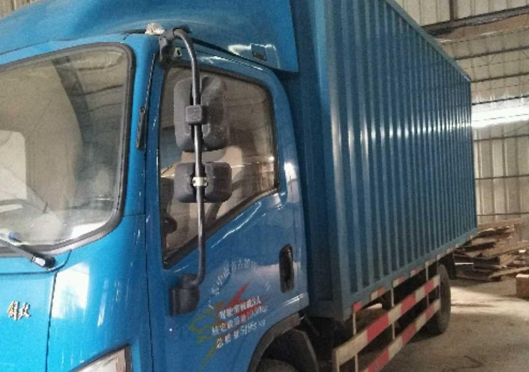 青岛解放其他车系 载货车  169匹 2015年05月 4x2