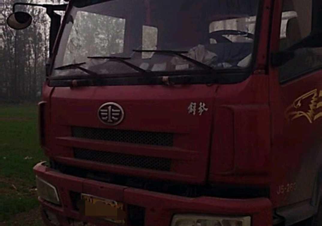 一汽解放 载货车  260匹 2010年11月 8x4