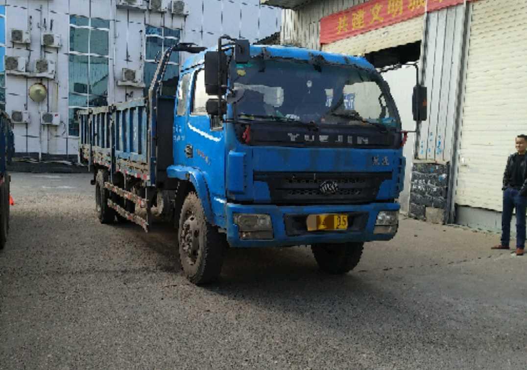 #其他品牌 载货车  140匹 2011年11月 4x2