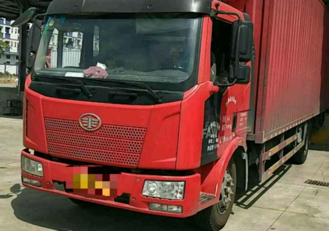 一汽解放J6L中卡 质惠版 载货车  180匹 2015年02月 4x2