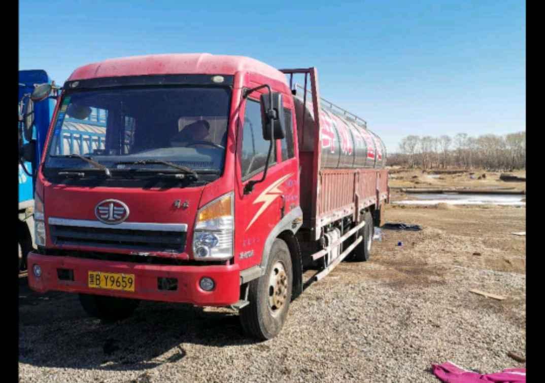 一汽解放其他车系 载货车  160匹 2011年09月 6x2