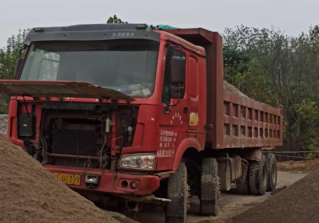 中國重汽HOWO 自卸車  385匹 2012年12月 8x4
