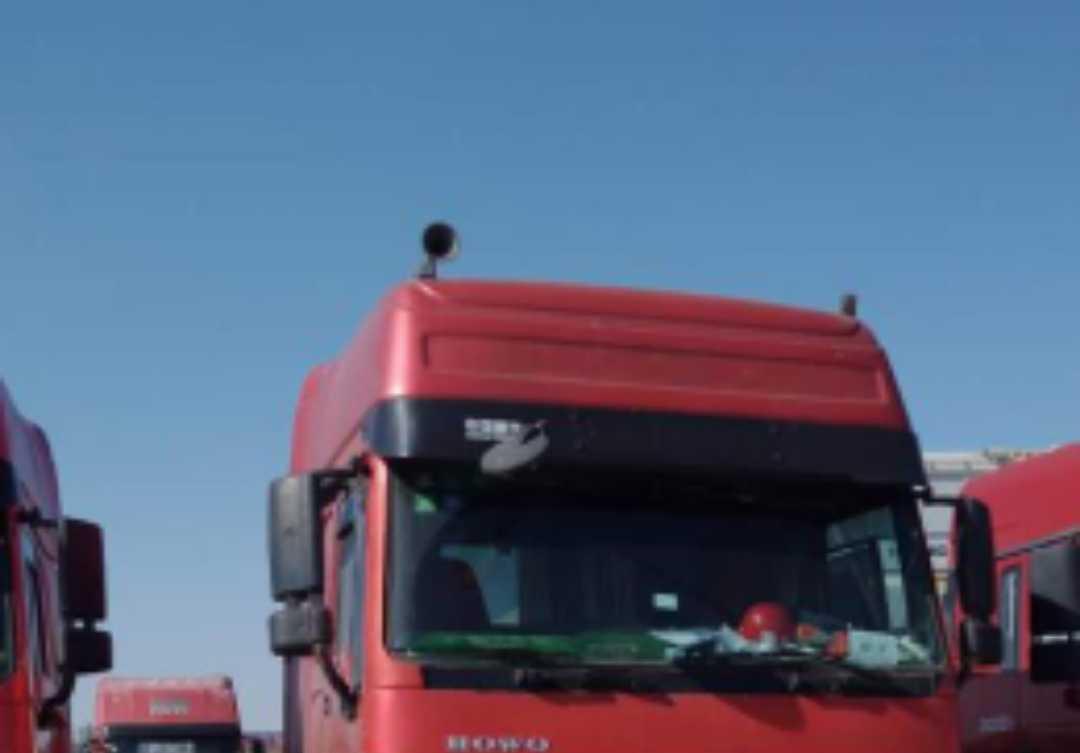 中国重汽HOWO 牵引车  340匹 2015年03月 6x4