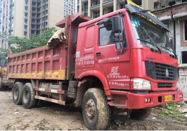 中国重汽HOWO 自卸车  336匹 2013年01月 6x4