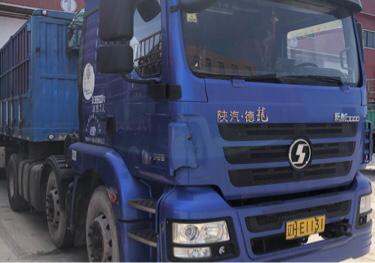 陜汽德龍M3000 牽引車  385匹 2016年06月 6x2