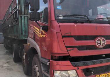 青島解放悍V 牽引車  270匹 2013年11月 6x2