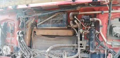 陕汽德龙F3000 牵引车  380匹2013年05月 6×4 国四