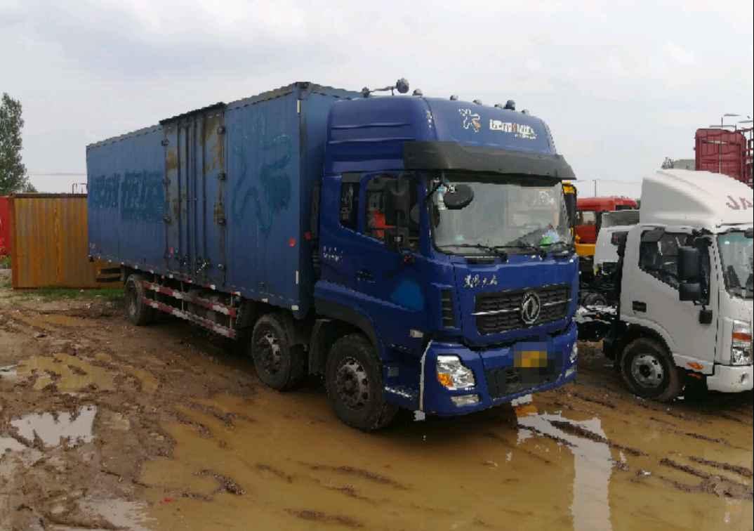 东风天龙 载货车  245匹 2015年11月 6x2