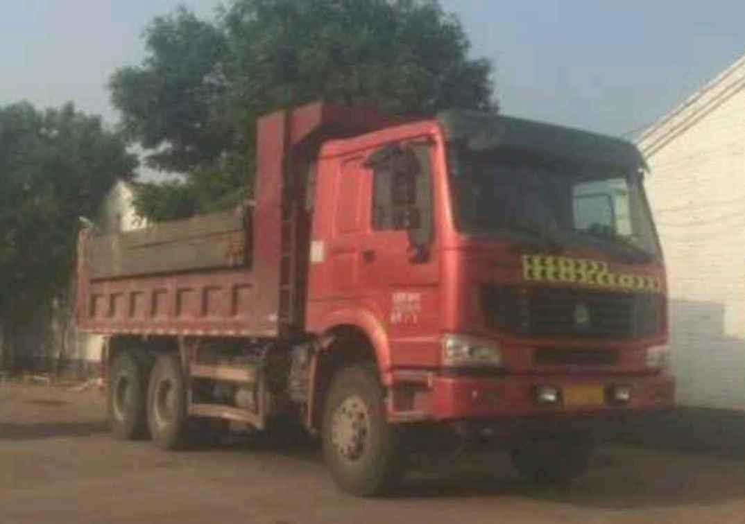 中国重汽HOWO 自卸车  336匹 2012年02月 6x4