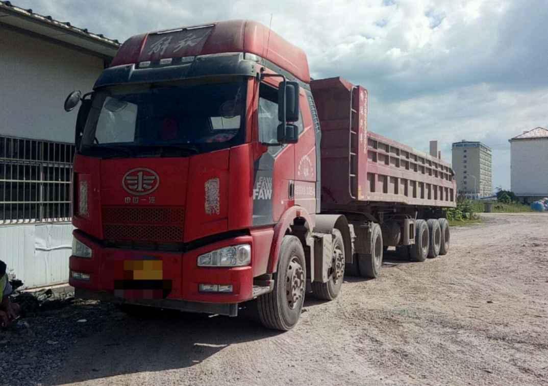 一汽解放J6P重卡 牵引车  360匹 2016年08月 6x2