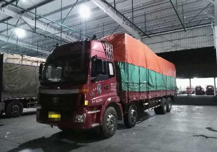 福田欧曼其他车系 载货车  270匹 2013年09月 8x4