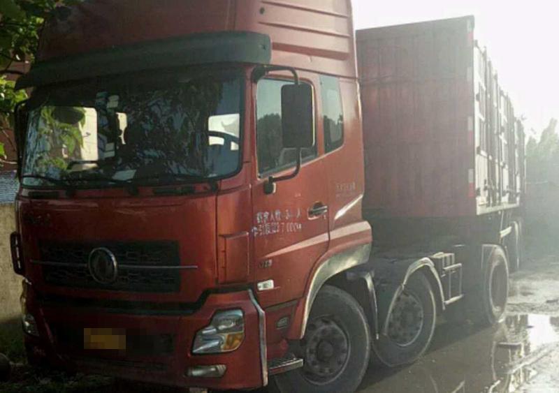 东风天龙 牵引车  315匹 2009年06月 6x2