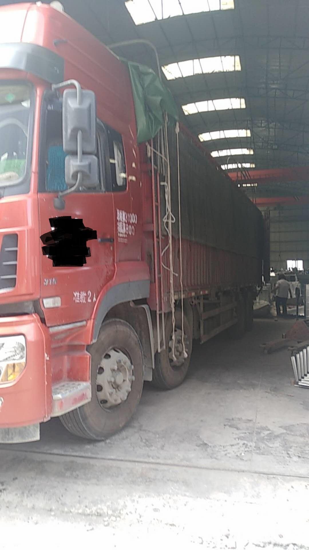 东风天龙 载货车  315匹 2016年03月 8x4