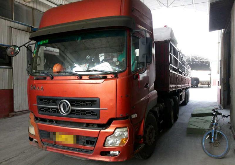东风天龙 牵引车  340匹 2010年09月 6x4