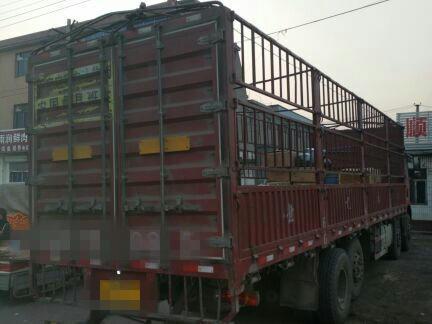 一汽解放J6 载货车  260匹 2015年05月 8x2