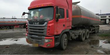 江淮格尔发 油罐车  375匹 2013年11月 6x4