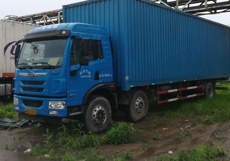 青岛解放龙V 载货车  220匹 2016年11月 6x2