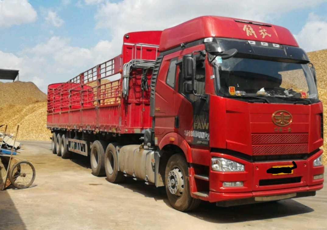 一汽解放J6M重卡 标载版 牵引车  360匹 2017年08月 6x4