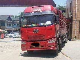 一汽解放J6 载货车  350匹 2011年07月 8x4
