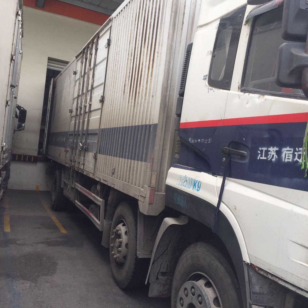 东风天龙 载货车  245匹 2012年12月 6x2