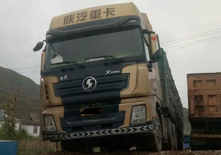 陕汽德龙X3000 牵引车  480匹 2016年02月 6x4