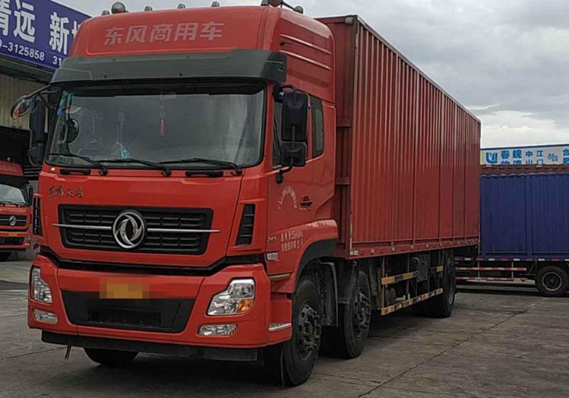 东风天龙 载货车  245匹 2015年12月 6x2