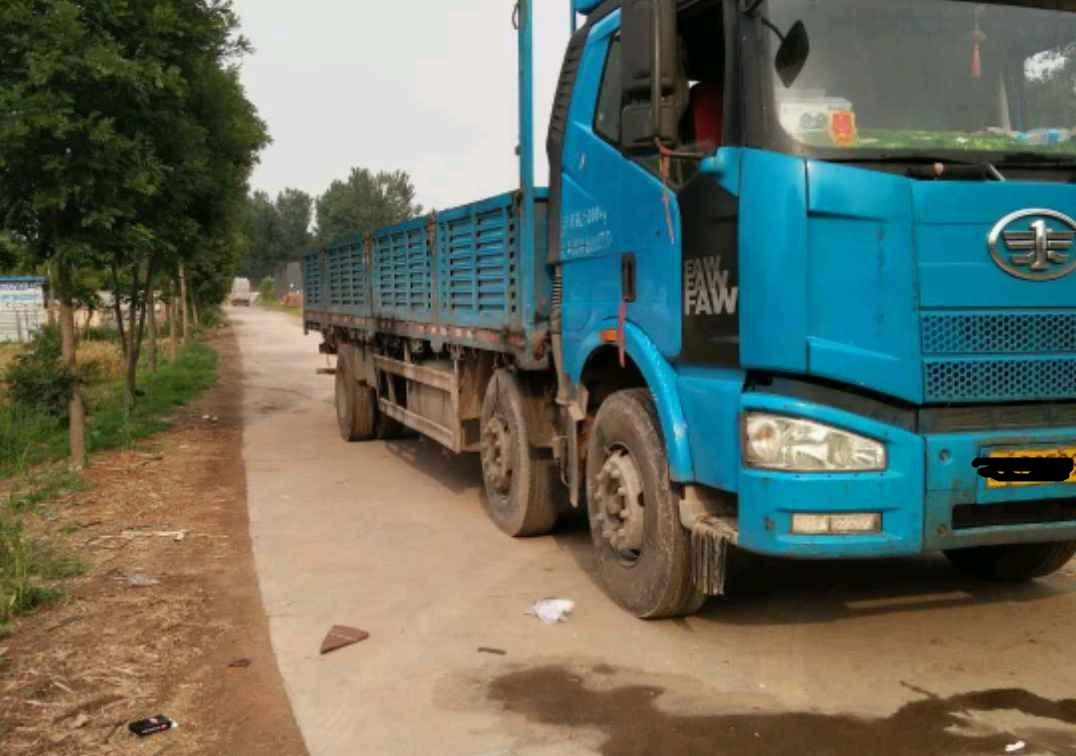 一汽解放J6L中卡 标载型 载货车  240匹 2013年11月 6x2