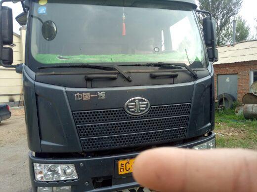 一汽解放J6 载货车  180匹 2016年02月 4x2