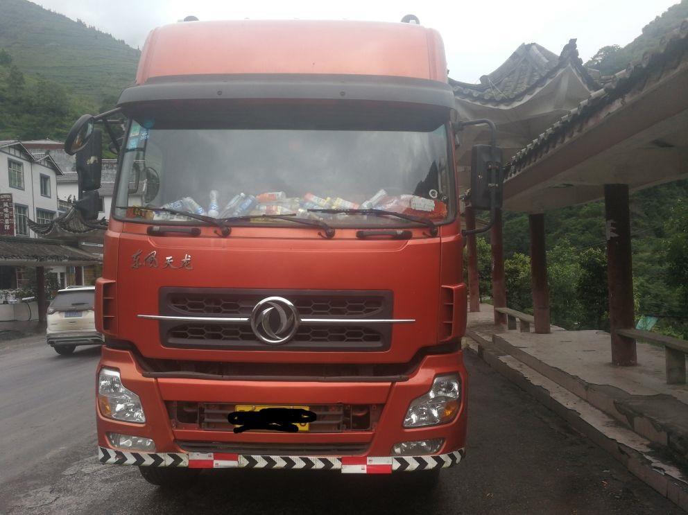 东风天龙 载货车  375匹 2011年03月 8x4