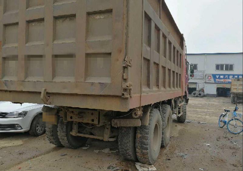 中国重汽HOWO 自卸车  375匹 2014年05月 6x4