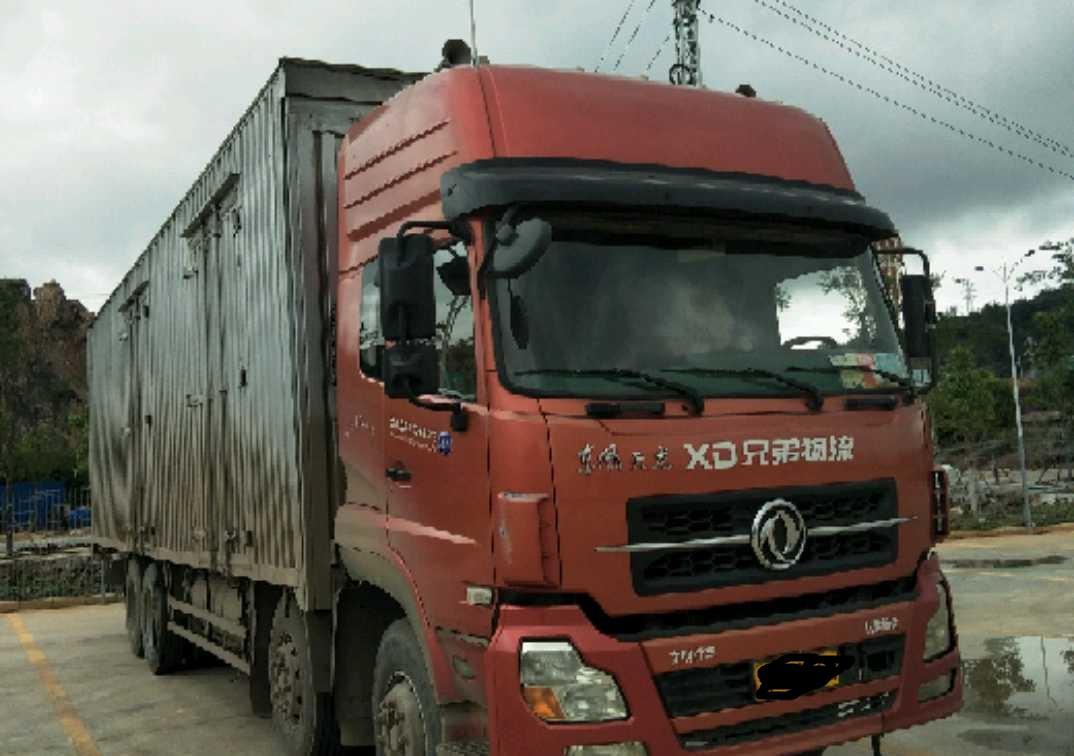 东风天龙 载货车  260匹 2012年07月 8x4