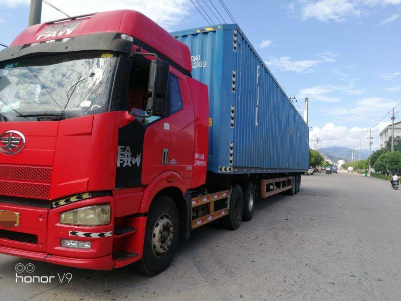 一汽解放J6 牵引车  390匹 2011年10月 6x4