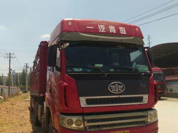 青岛解放新大威 牵引车  340匹 2011年11月 6x2