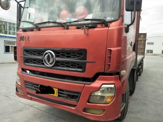 东风天龙 载货车  340匹 2012年04月 8x4