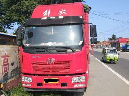 一汽解放J6 载货车  160匹 2016年03月 4x2
