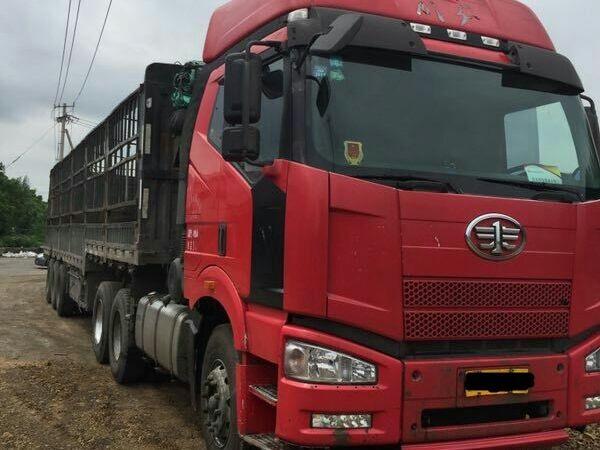 一汽解放J6 牵引车  420匹 2013年07月 6x4