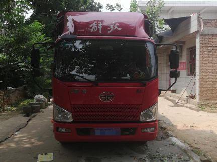 一汽解放J6 载货车  153匹 2017年09月 4x2