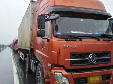 东风天龙 牵引车  340匹 2011年09月 4x2