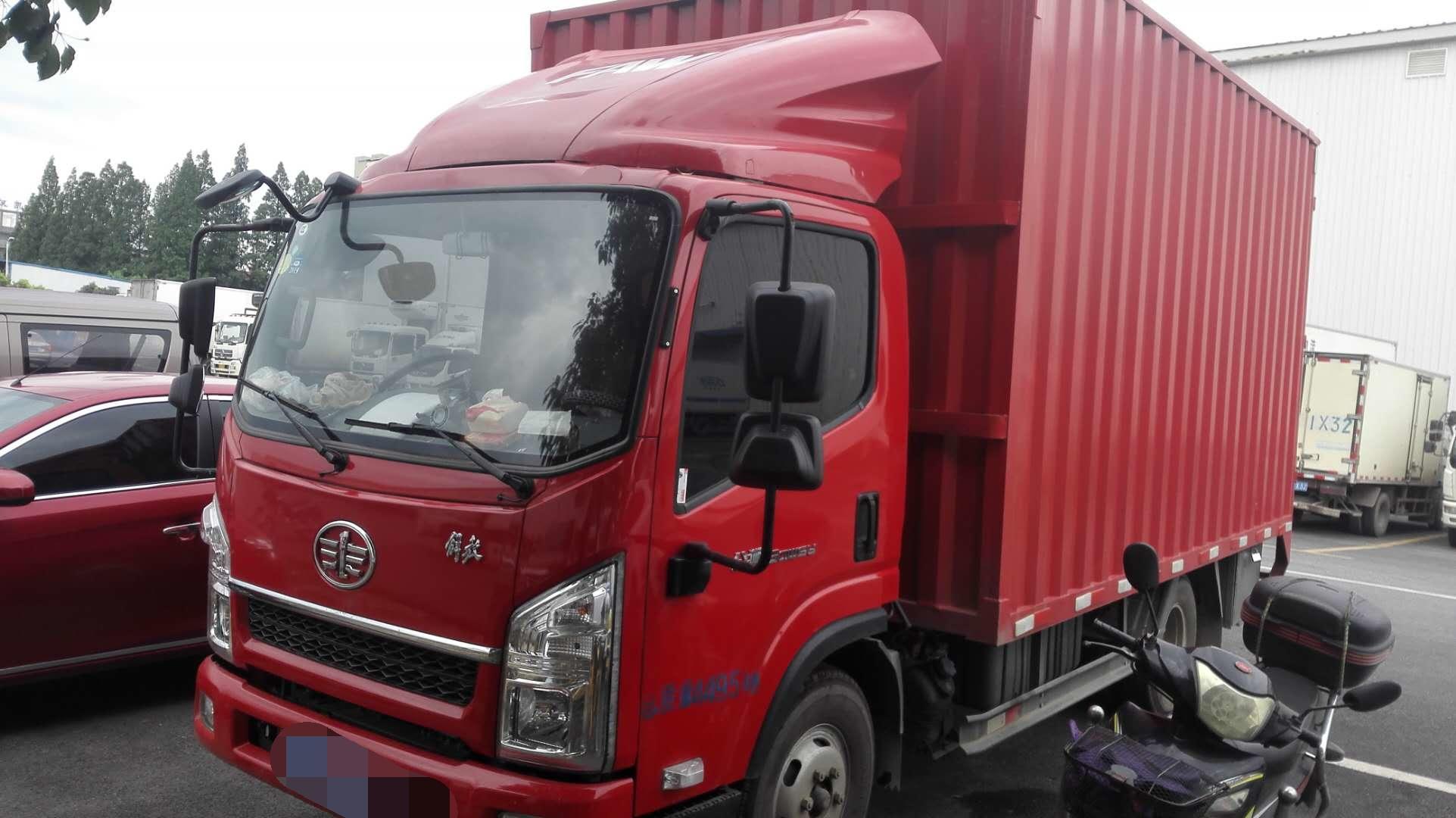 一汽解放J6 载货车  130匹 2018年03月 4x2