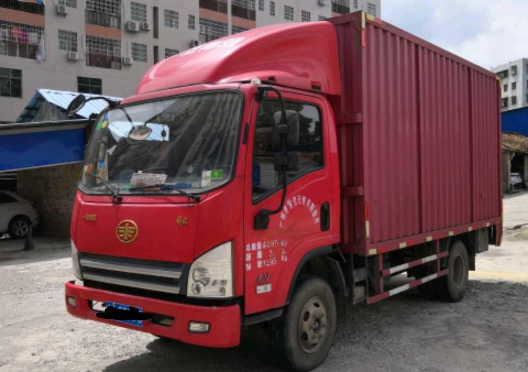 青岛解放其他车系 载货车  124匹 2015年04月 4x2