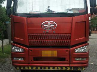 一汽解放J6P重卡 载货车  350匹 2016年09月 8x4